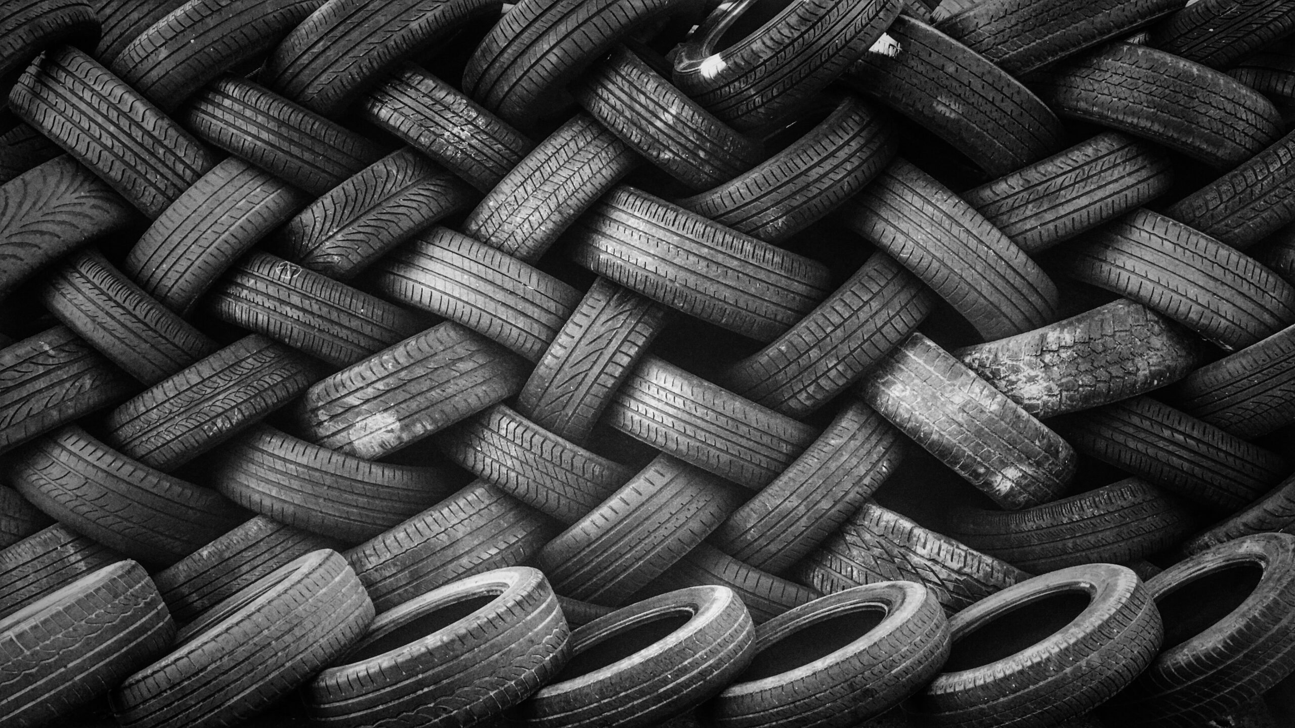 Tyre-replacment-how-to-know-you-need-new-tyres-info